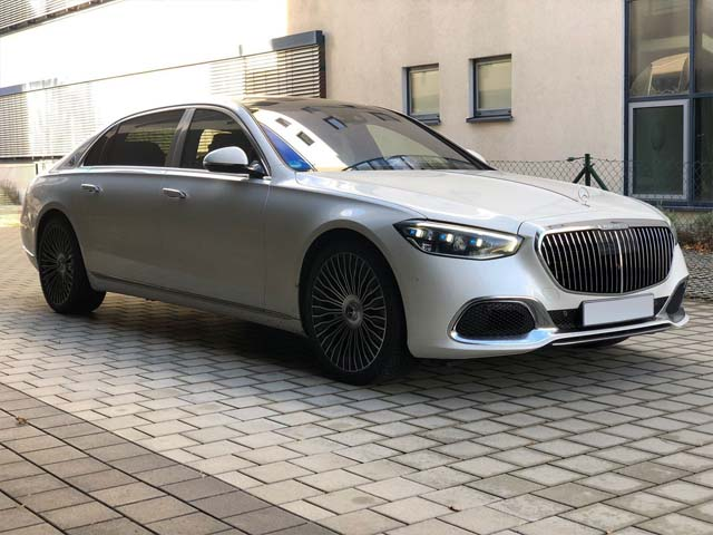 Booking a car and rental the prestige luxury VIP vehicle in Antwerp