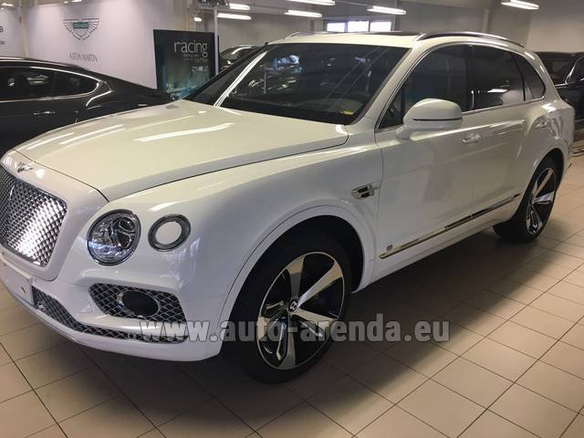 Rental Bentley Bentayga W12 NAIM 22 Rear-Enterteiment in Belgium