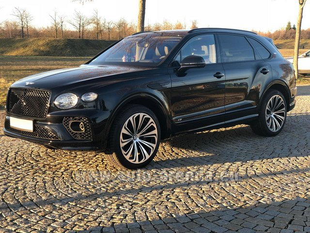 Hire and delivery to Brussels Airport the car Bentley Bentayga V8 new Model 2021