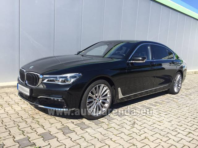 Hire and delivery to Brussels Airport the car BMW 740 Lang xDrive M Sportpaket Executive Lounge