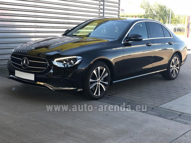Hire and delivery to Brussels Airport the car Mercedes-Benz E220 diesel AMG equipment