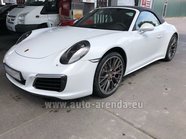 Rental Porsche 911 Carrera 4S Cabrio White in Charleroi