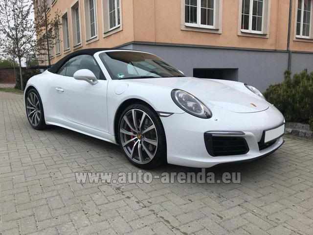 Rental Porsche 911 Carrera 4S Cabrio in Ghent