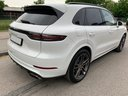 Rent-a-car Porsche Cayenne Turbo V8 550 hp in Bruges, photo 4