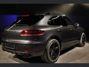 Rent-a-car Porsche Macan Turbo Performance Package LED Sportabgas with its delivery to Brussels Airport, photo 8