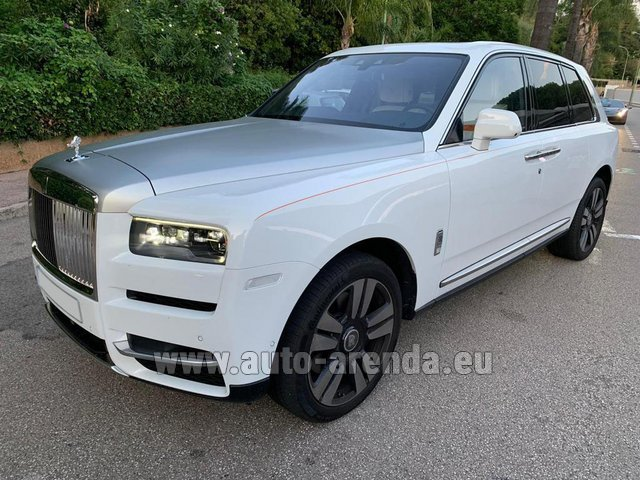 Hire and delivery to Brussels Airport the car Rolls-Royce Cullinan White