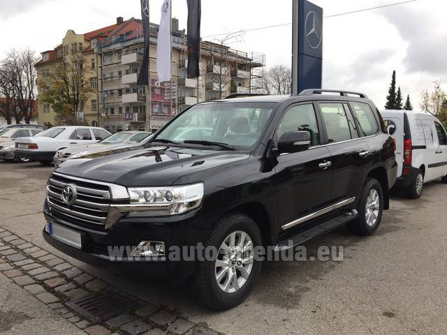 Rental Toyota Land Cruiser 200 V8 Diesel in Antwerp